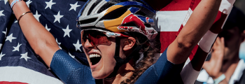 Kate Courtney gana el Campeonato del Mundo UCI MTB XC con Q RINGS y 2INpower