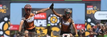 Annika Langvad y Kate Courtney ganan la Cape Epic con Q RINGS y 2INpower